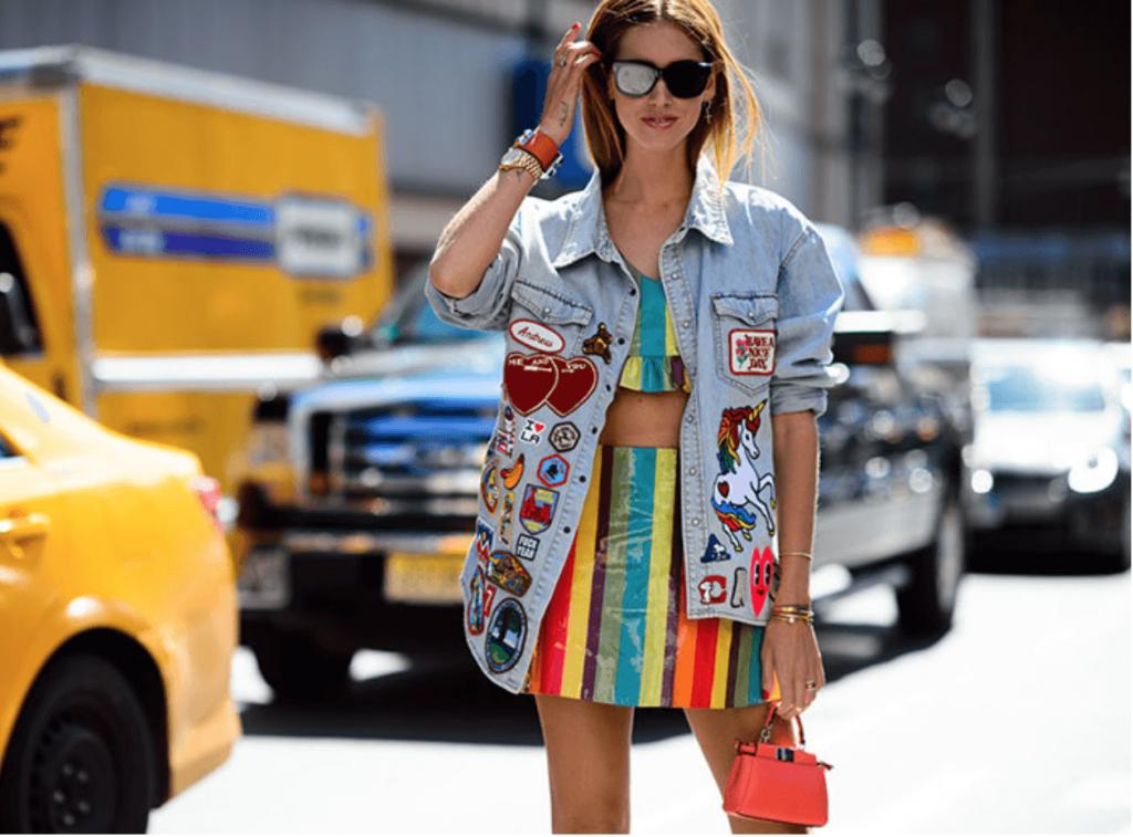 jaqueta_jeans_customizada_com_patches_e_bottons_street_style 5
