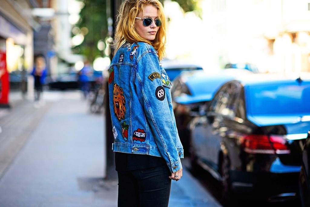 jaqueta_jeans_customizada_com_patches_e_bottons_street_style 7