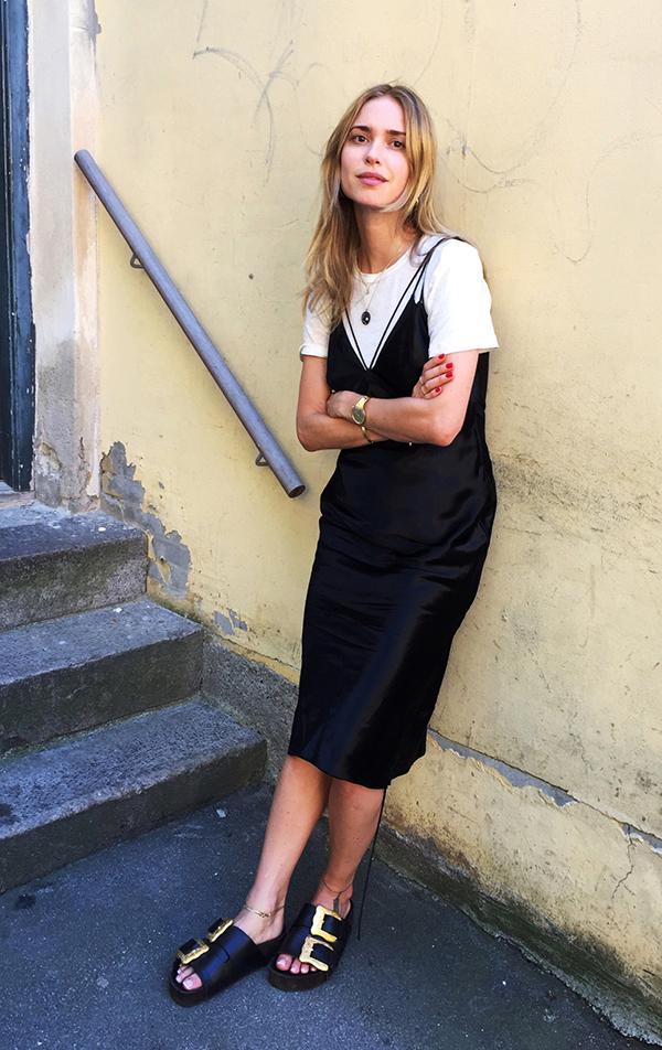 vestido_com_camiseta_tee_sobreposicoes_verao_17_street_style