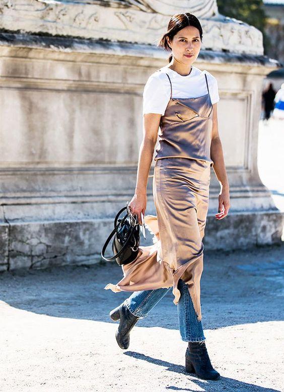 vestido_com_camiseta_tee_sobreposicoes_verao_17_street_style3