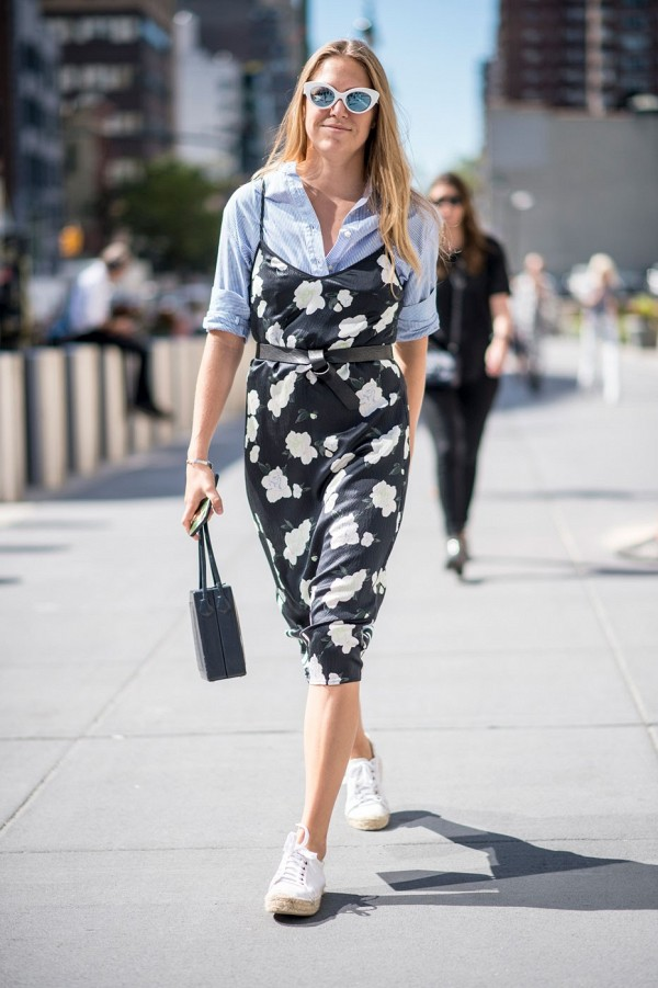 vestido_com_camiseta_tee_sobreposicoes_verao_17_street_style4