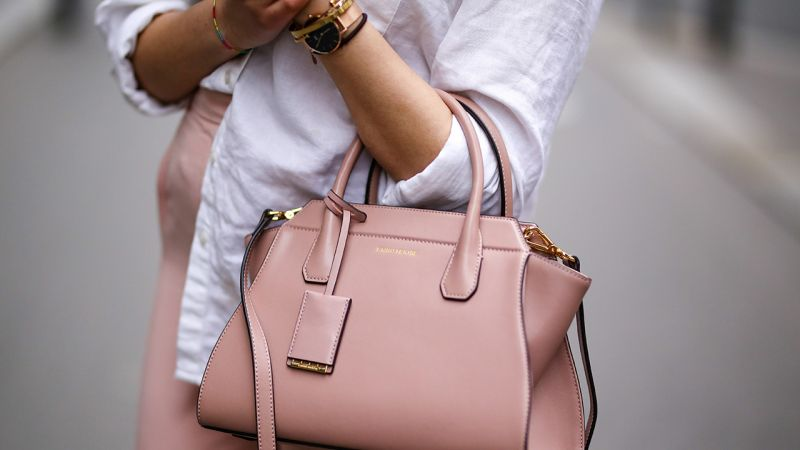 Millennial-Pink-Street-Style-bag_trend_alert_spring_summer_2017_por_alessandra_faria1