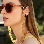 Sunglasses chain trend alert!