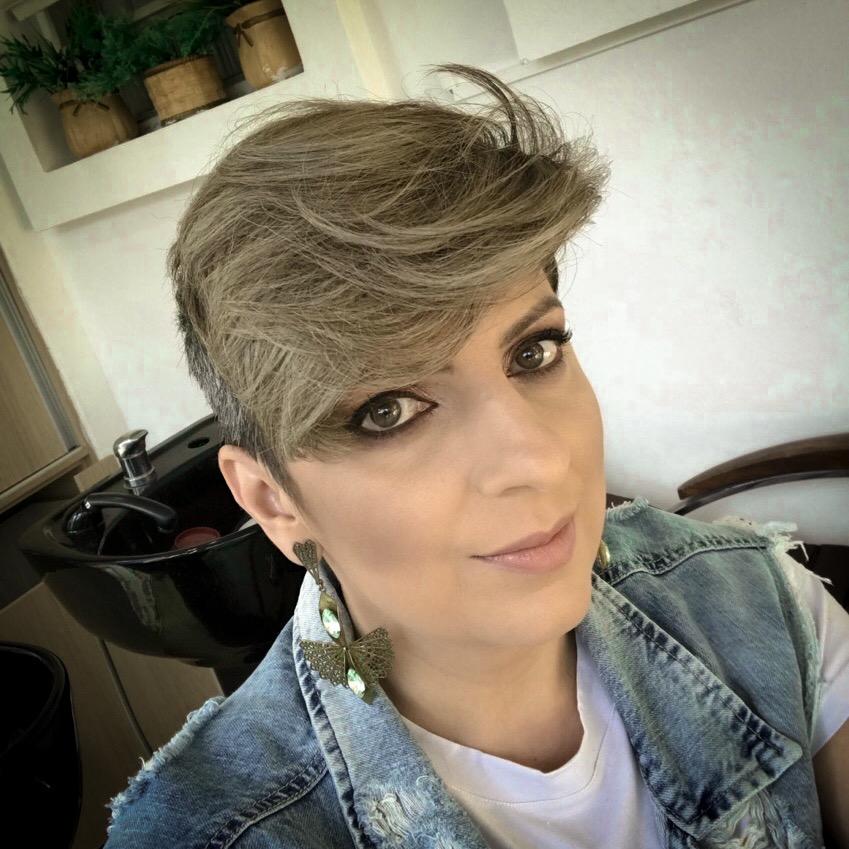 assumi_os_cabelos_brancos_por_alessandra_faria