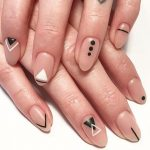 Nail art geométrica para se inspirar.
