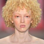 Sombra laranja, tendência maquiagem verão 2020!
