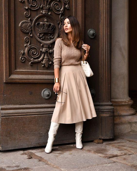 Botas brancas no ambiente de trabalho para se inspirar por Alessandra Faria