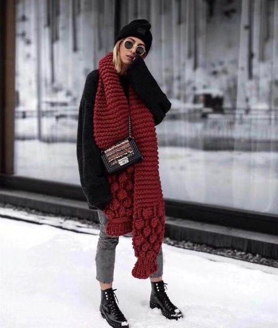 Maxi cachecol moda de rua inverno 2019 por Alessandra Faria