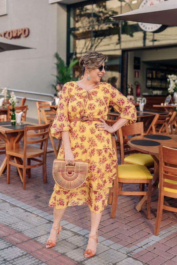 Vestido midi 3 babados Look do dia aniversário 50 anos por Alessandra Faria