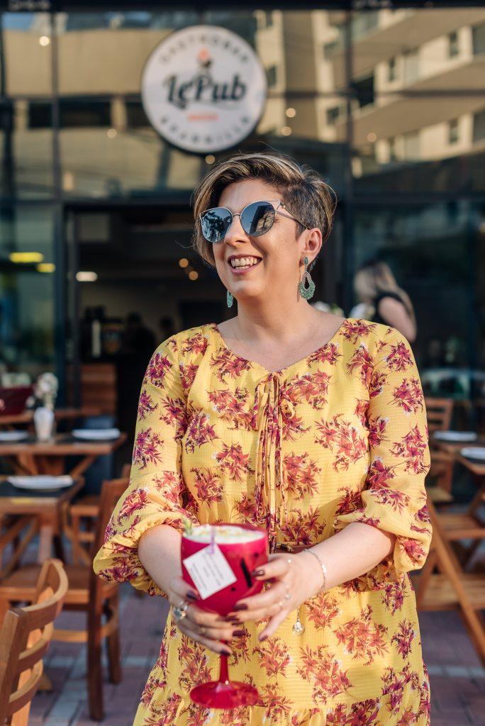Óculos lentes coloridas Look do dia aniversário 50 anos por Alessandra Faria
