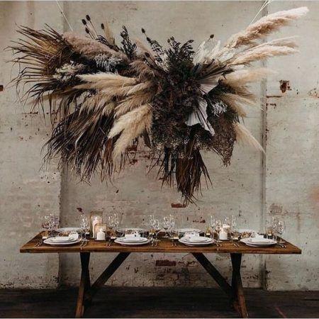 Flores secas e flores desidratadas em decoração de casamentos por Alessandra Faria