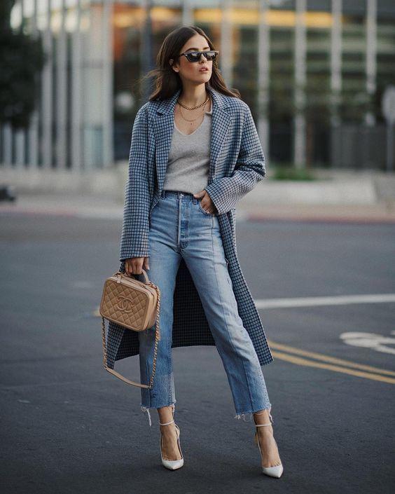 3 peças em jeans para investir no verão 2020 por Alessandra Faria cropped jeans mais casaco