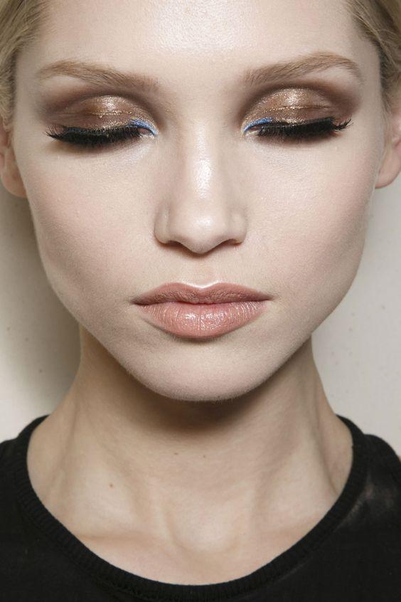 Maquiagem glossy tendência verão 2020 por Alessandra Faria