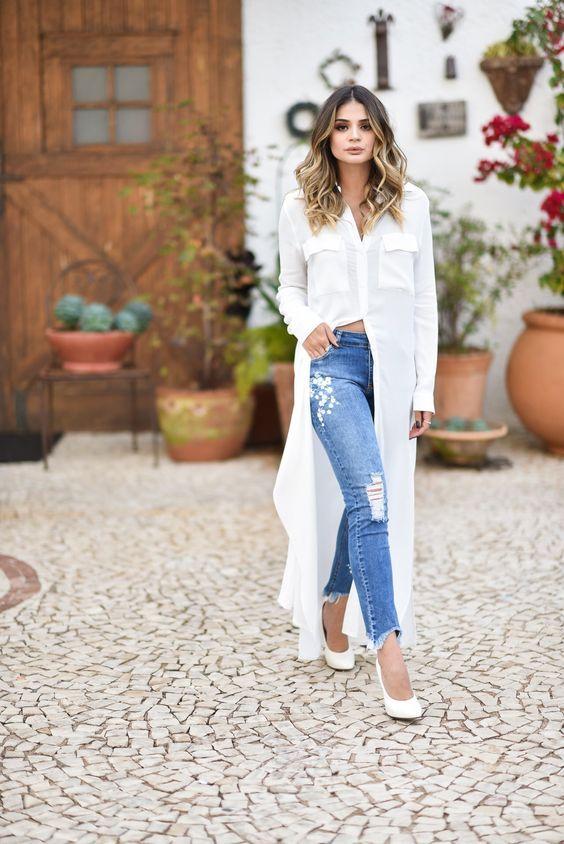 Maxi camisa em sobreposições no street style summer 2020 por Alessandra Faria