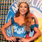 Customização de abadá e glitter na cabeça para o carnaval 2020