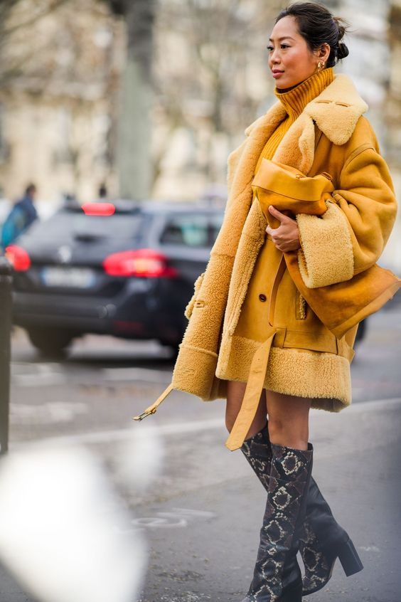 Amarelo Pantone se consagra a cor do outono inverno 2020 por Alessandra Faria