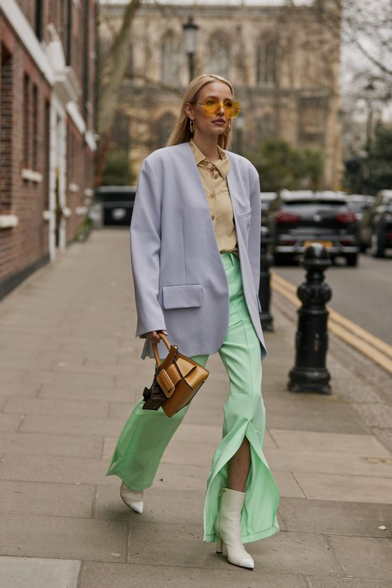 Alfaiataria 80s traz de volta o charme do street style de wall street para o verão 2020/21 por Alessandra Faria