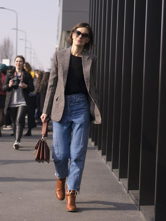 Combo Blazer e jeans para se inspirar no home office por Alessandra Faria