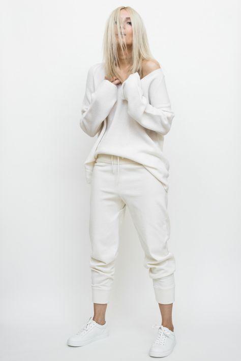 Looks brancos e off white no inverno por Alessandra Faria