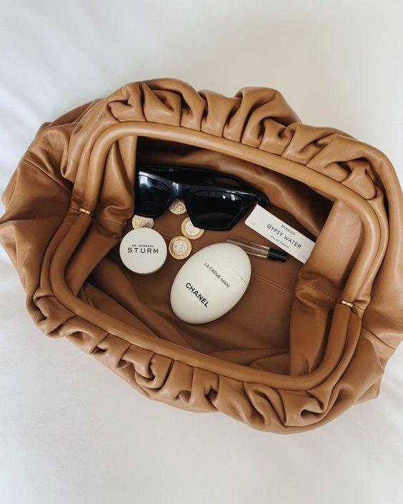 Cloud handbag, Bottega Veneta inspired, itbag do inverno, retorna no verão 20/21, por Alessandra Faria