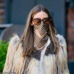 A máscara feita com lenço de Olívia Palermo!