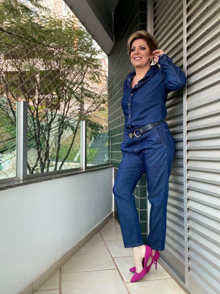 Macacão jeans look do dia por Alessandra Faria