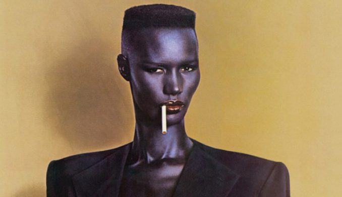 Corte de cabelos curtíssimos pixie hair para mulheres negras, para se inspirar por Alessandra Faria