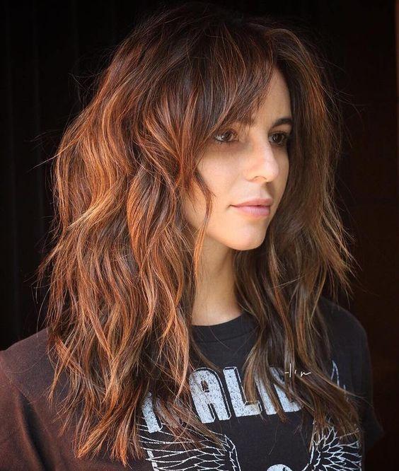 corte Shaggy hair long para fechar 2020 por Alessandra Faria
