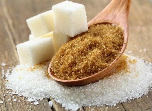 O açúcar adicionado e seus disfarces por Alessandra Faria