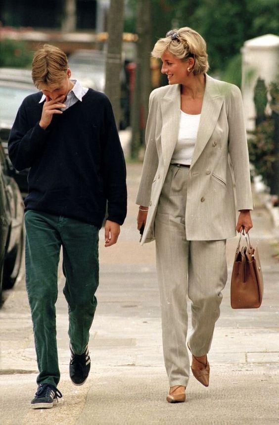 5 looks da princesa Diana mais atuais que nunca por Alessandra Faria