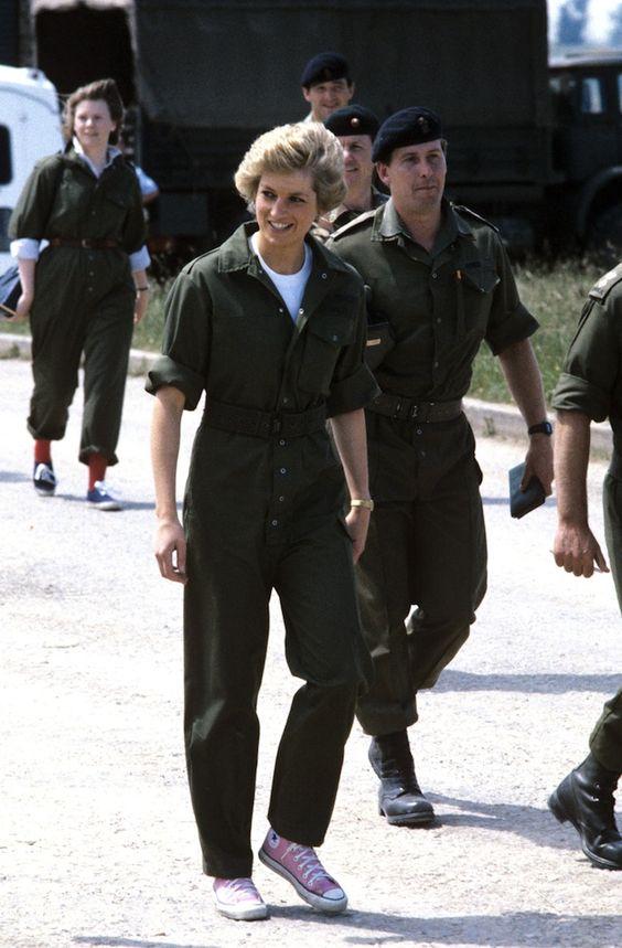 5 looks incríveis da princesa Diana mais atuais que nunca por Alessandra Faria