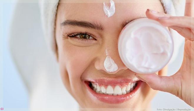 Skincare em excesso: e agora? por Alessandra Faria