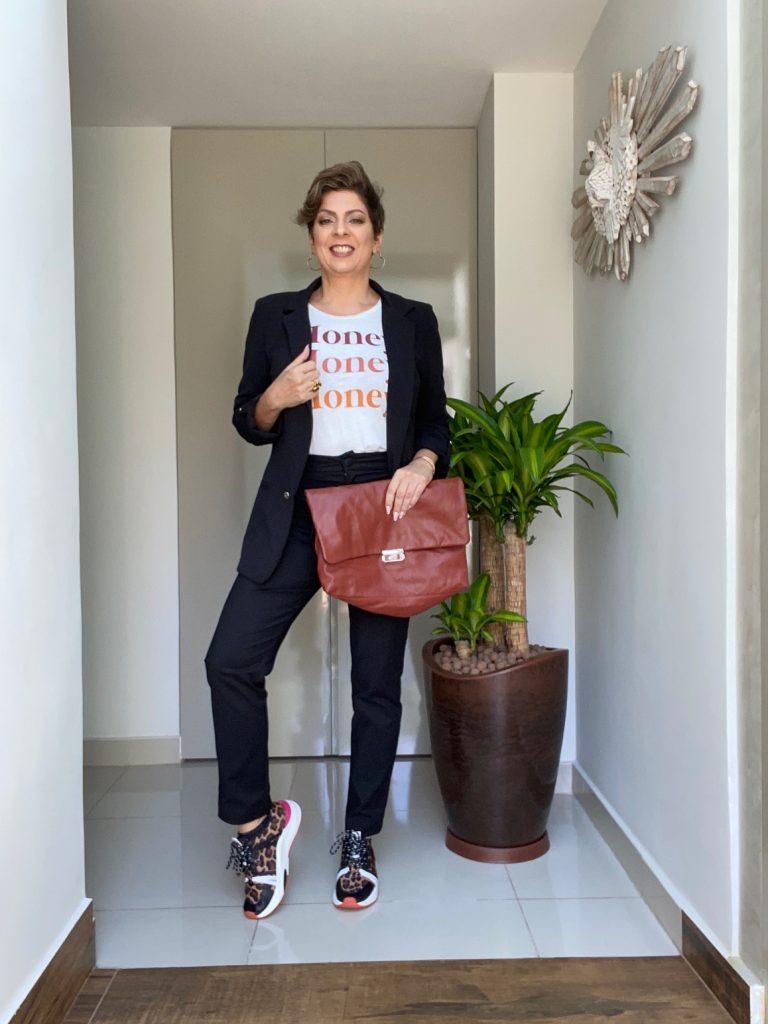 Blazer e tênis look do dia, por Alessandra Faria